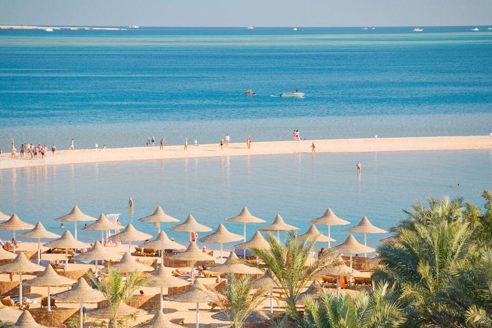 Siva Grand Beach Hotel, hotellets private strand
