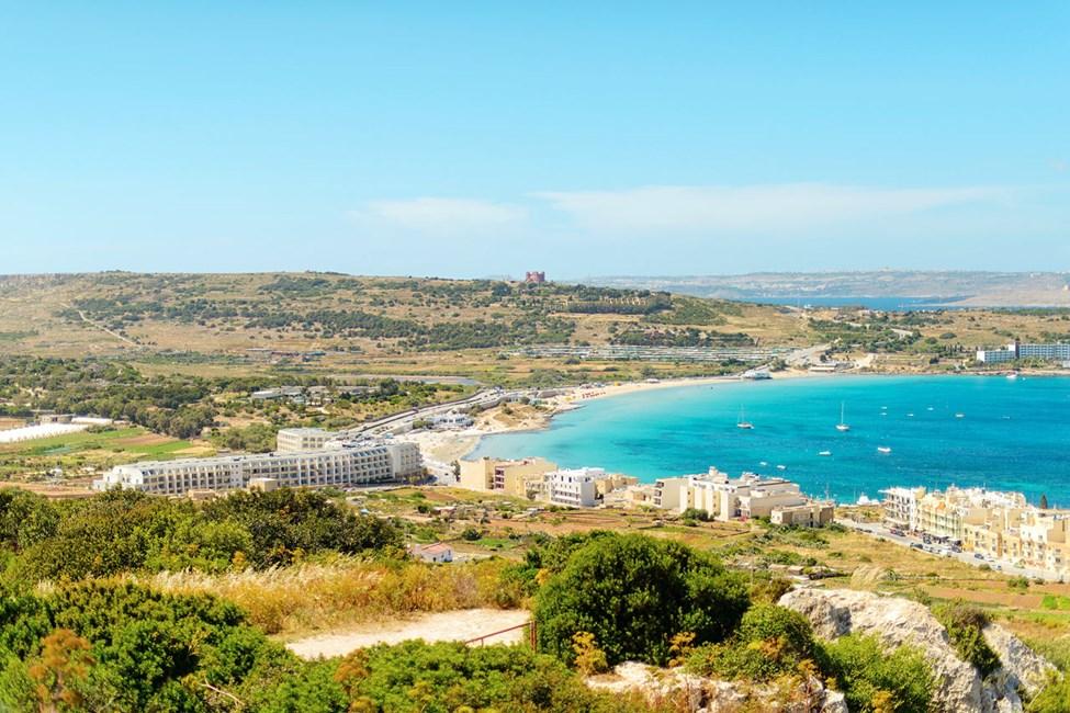 Utsikt over stranden i Mellieha