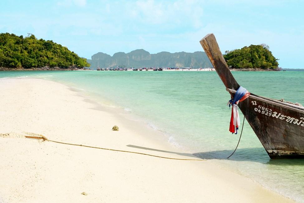 Fra Ao Nang kan du ta båt til Chicken Island