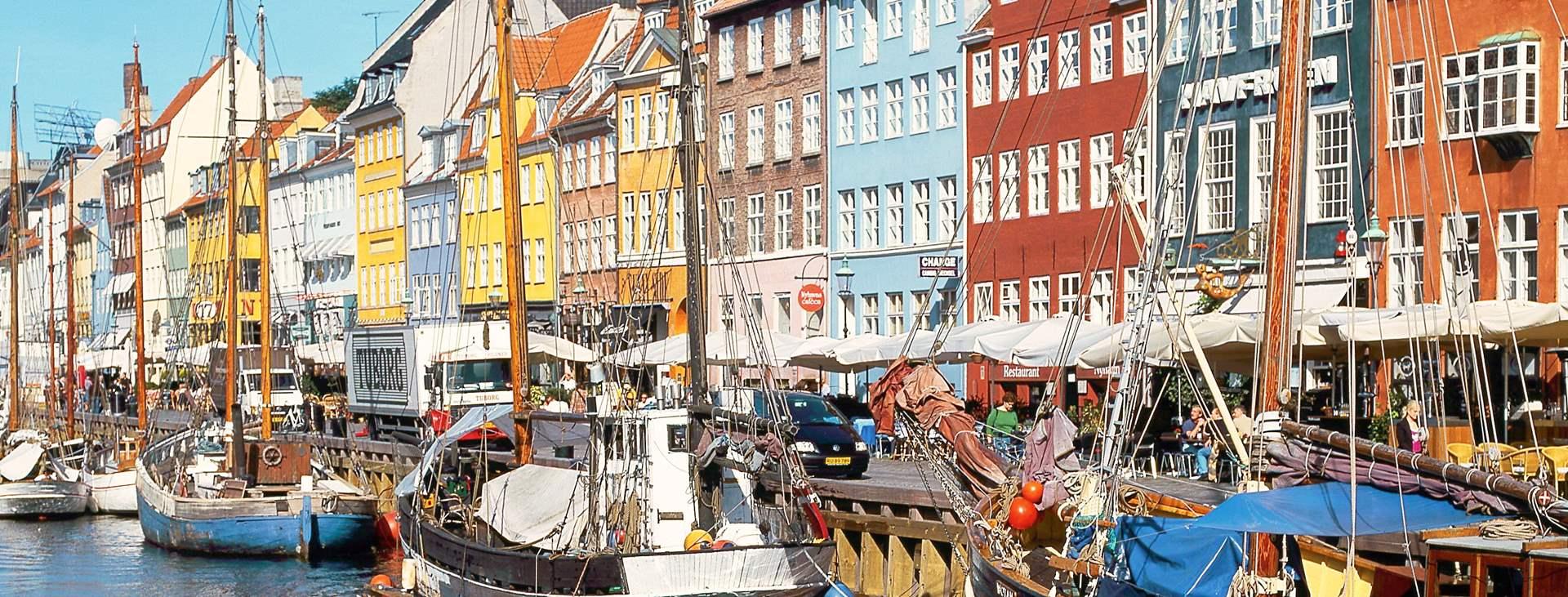 Bestill en helgetur til Danmark med fly og hotell