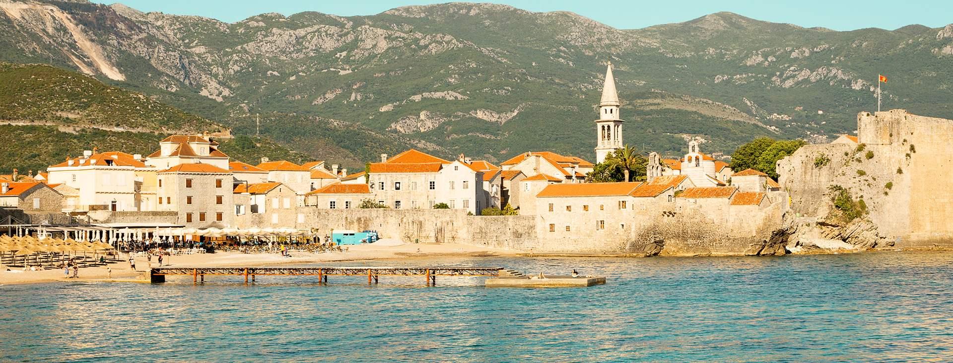 Bestill en reise med fly og hotell til Montenegro