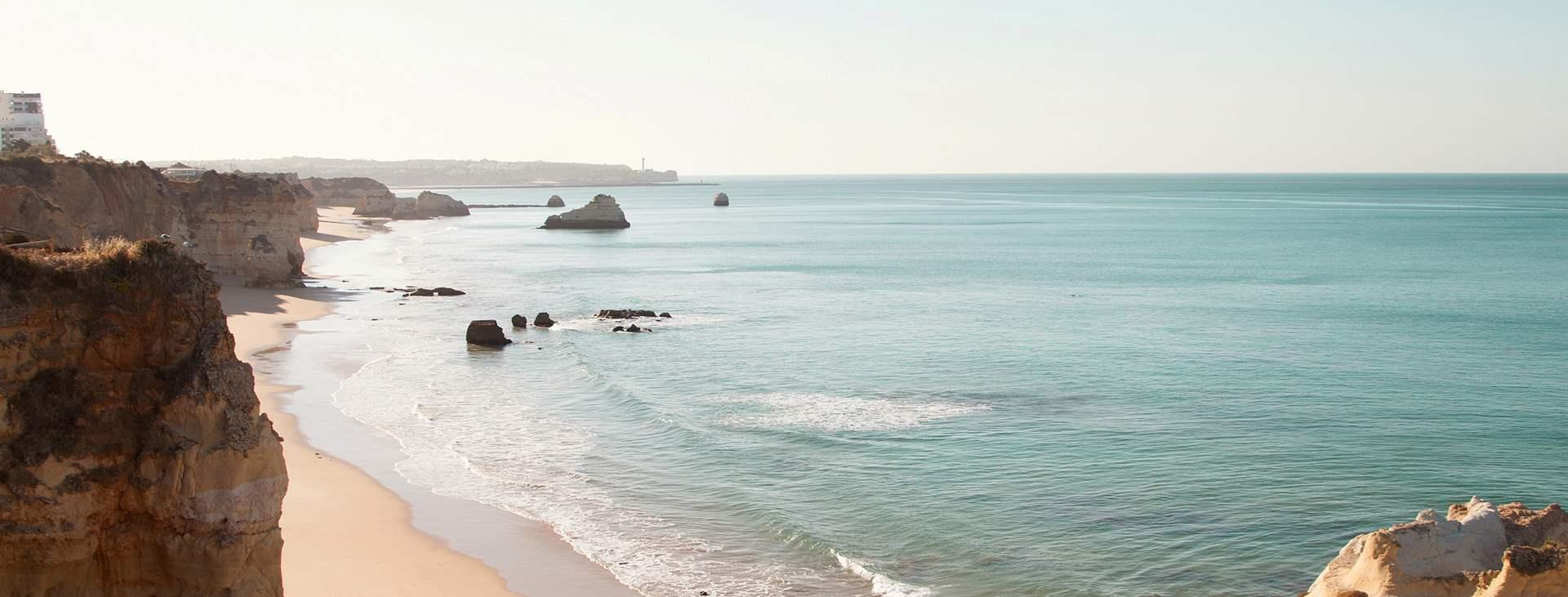 Bestill en reise med fly og hotell til Portugal