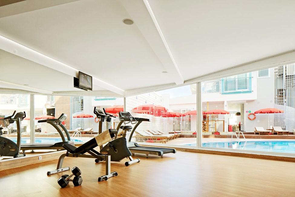 I hotellets treningsstudio kan du trene på egen hånd