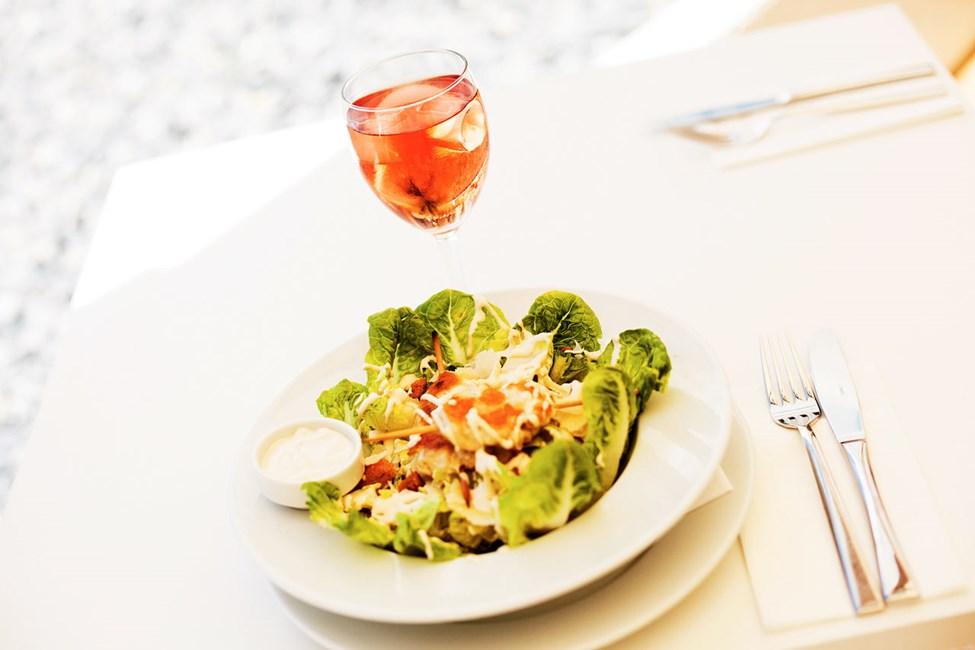 I Sunprime Restaurant serveres det velsmakende retter fra morgen til kveld