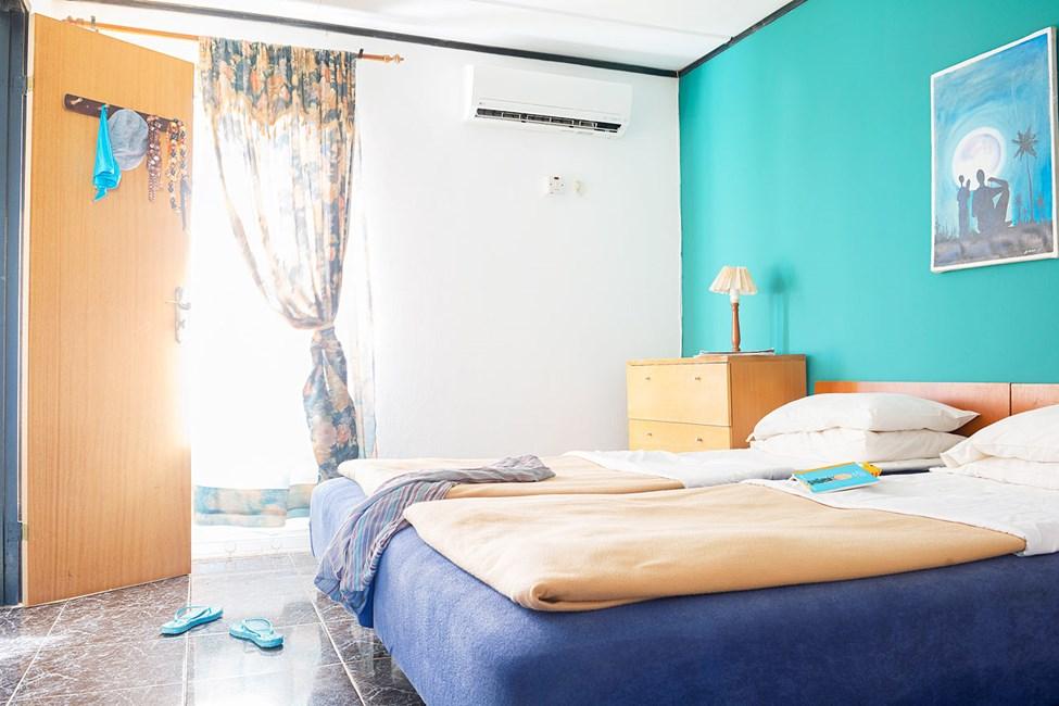 2-romsleilighet av høyere standard med terrasse mot omgivelsene
