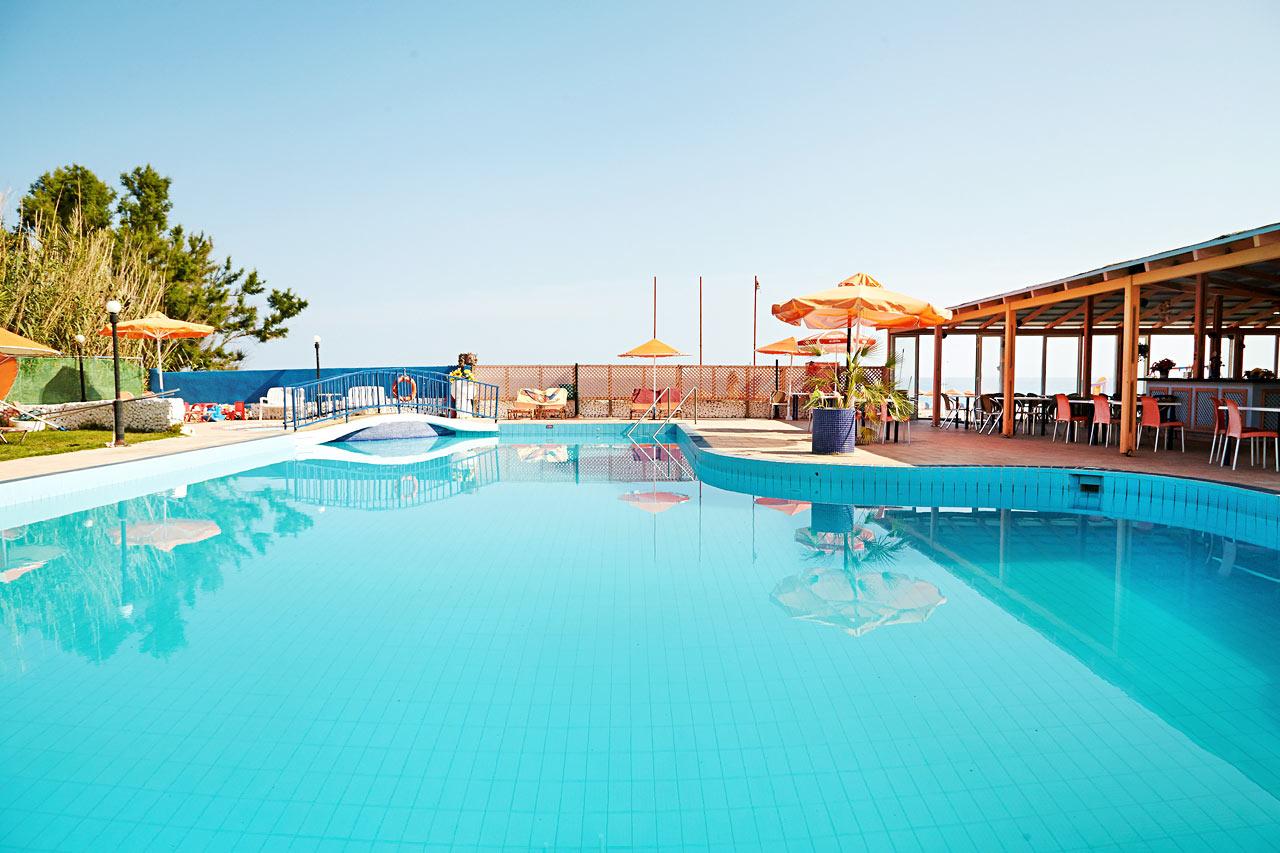 Oppsiktsvekkende De billigste pakkereisene til Rethymnon | Restplass DL-63