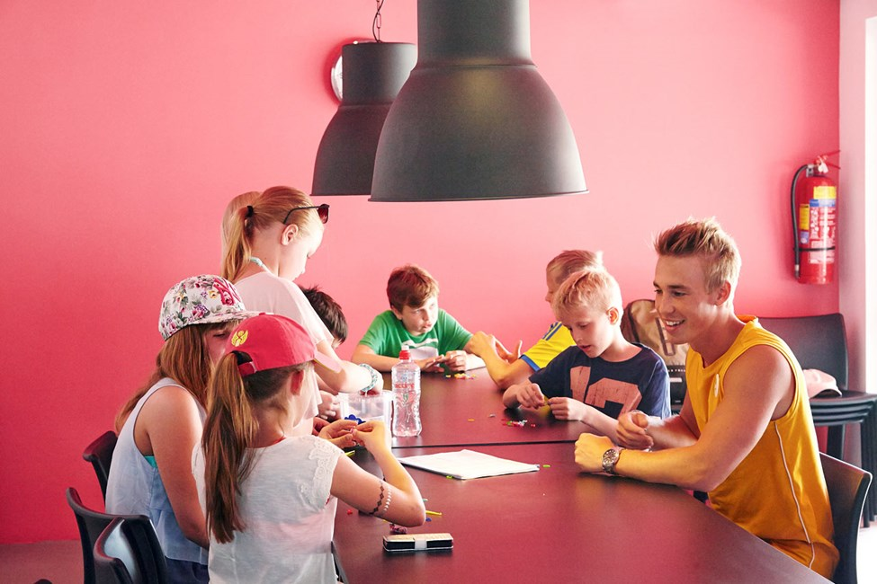 I Teen Lounge kan du blant annet tegne, spille spill og surfe på nettet