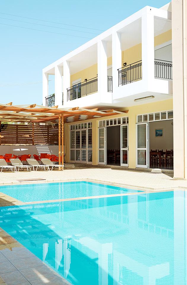 Utestående De billigste pakkereisene til Rethymnon | Restplass IY-34