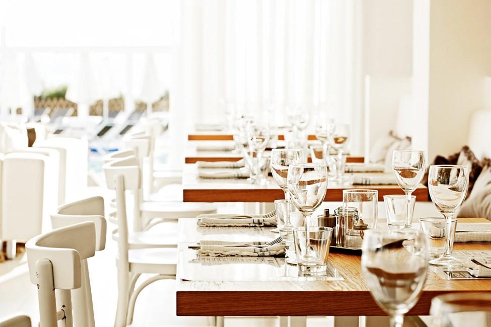 Utendørs eller innendørs? I restauranten velger du hvor du vil nyte maten.
