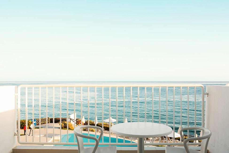 1-roms Compact Suite, stor balkong med havutsikt