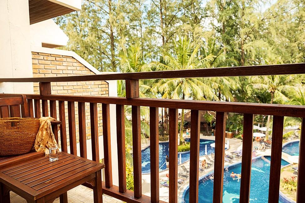 Dobbeltrom med balkong eller terrasse med begrenset havutsikt