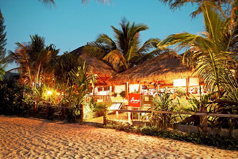 Restauranten Fino Restaurant & Grill - med herlig utsikt over havet