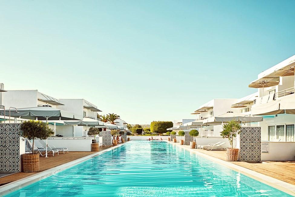 Royal Family Suite med stor terrasse og utgang til privat, delt basseng