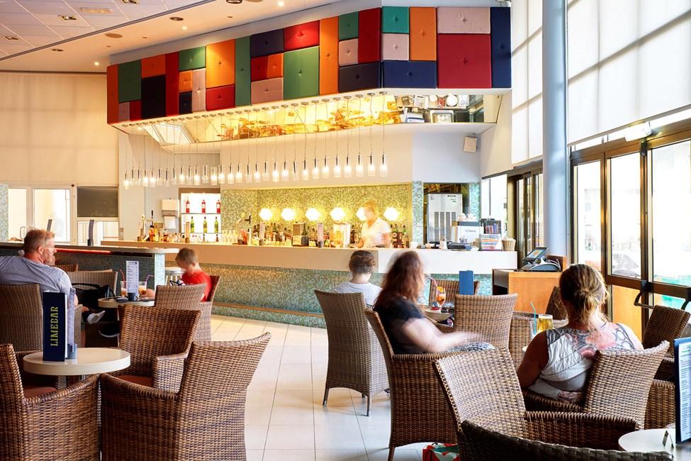 I Lime Bar kan du nyte noe godt å drikke både før og etter middag
