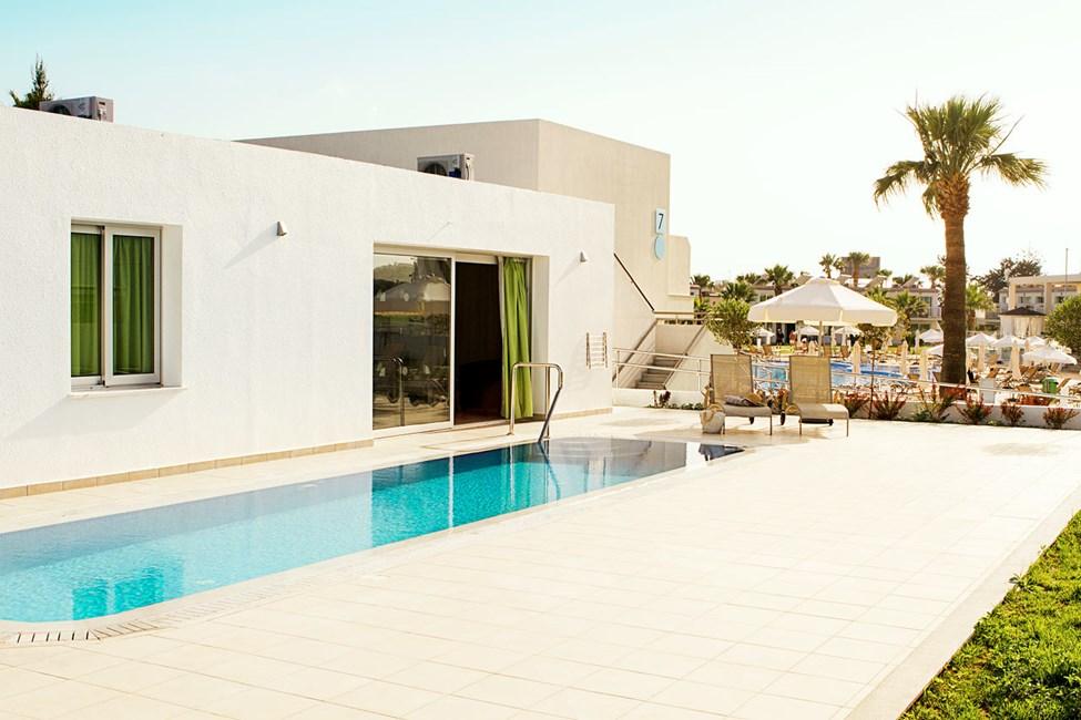 Prime Pool Suite 2 rom med terrasse med privat basseng