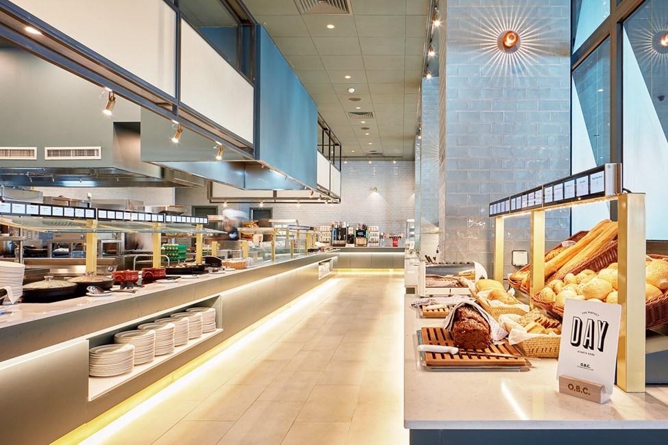 I restauranten kan du nyte velsmakende måltider fra morgen til kveld.