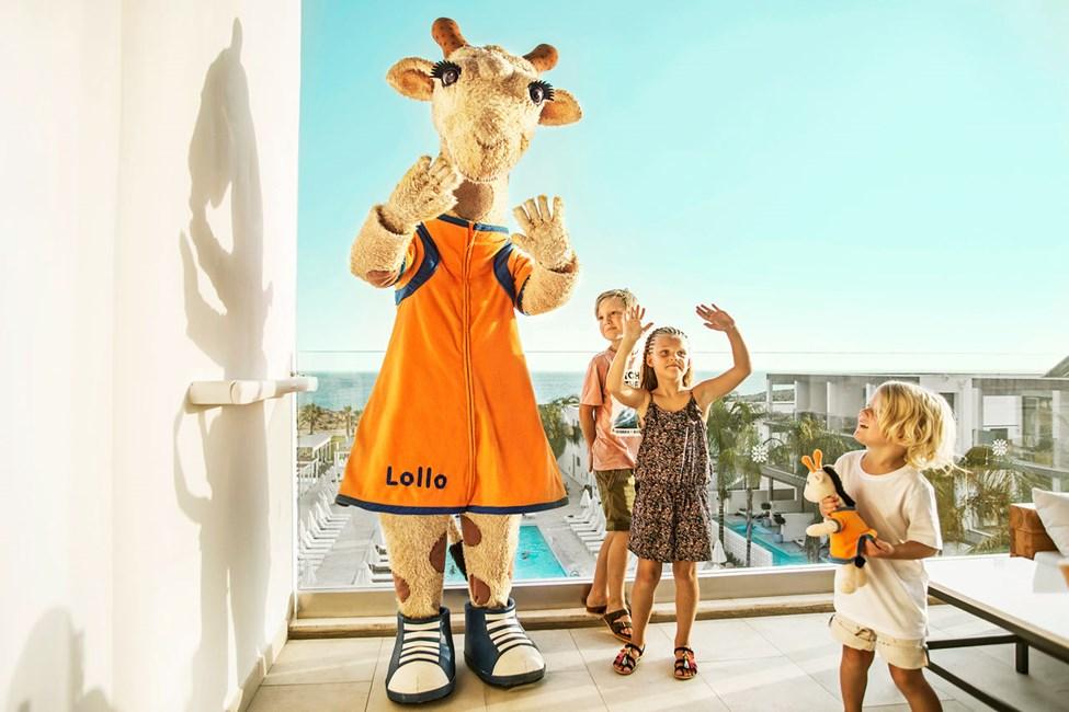 Lollo, den danseglade sjiraffen