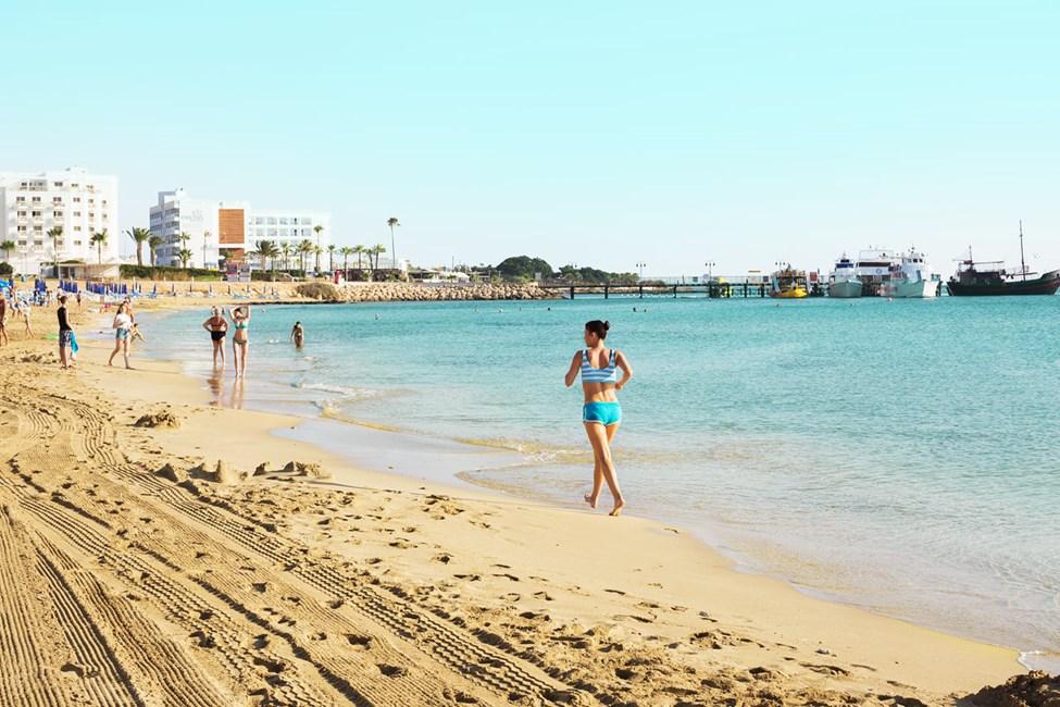 Stranden nedenfor hotellet