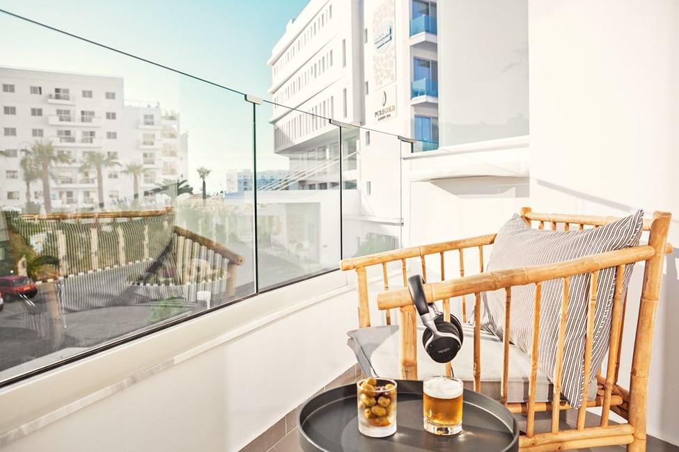 Classic Room 1 rom, balkong mot omgivelsene