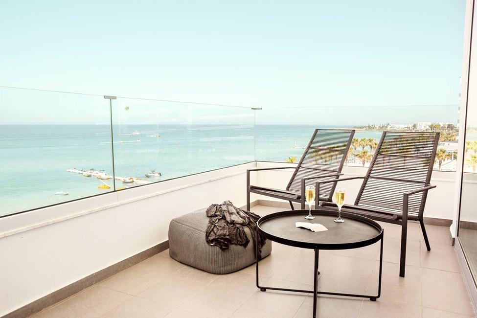 Prime Lounge Suite 1 rom, stor balkong med havutsikt