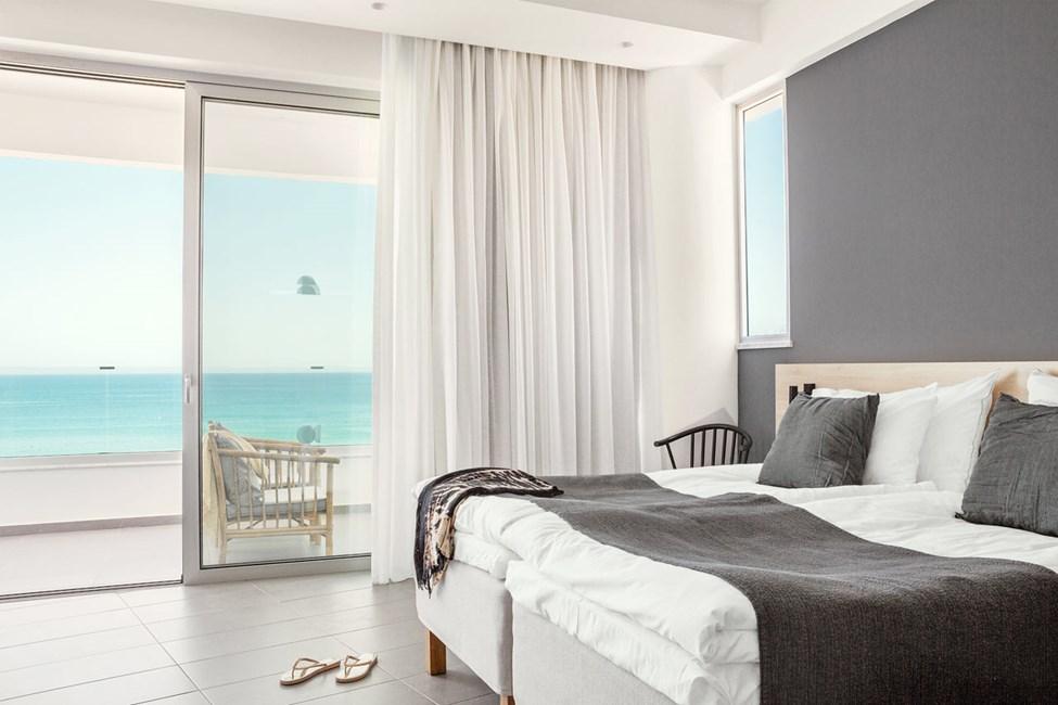 Prime Lounge Suite 1 rom med stor balkong med havutsikt
