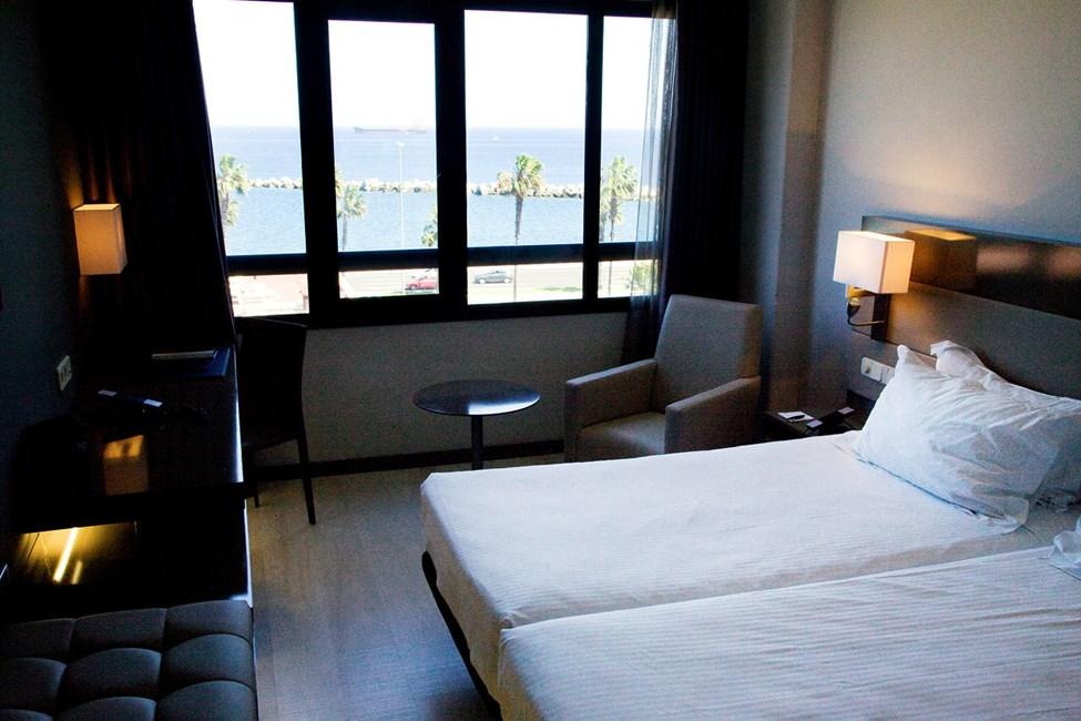 Dobbeltrom. De fleste har vakker utsikt over byen og Las Palmas