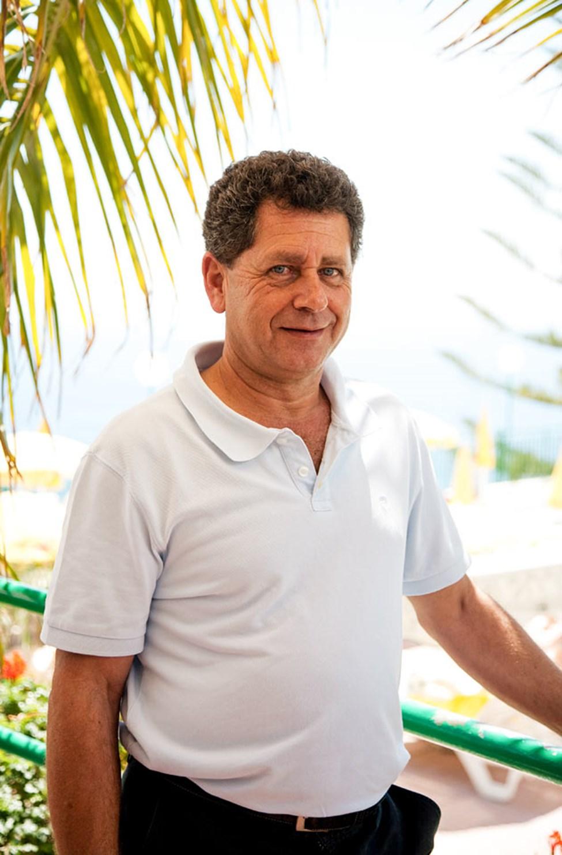 Theodoro, hotelldirektør