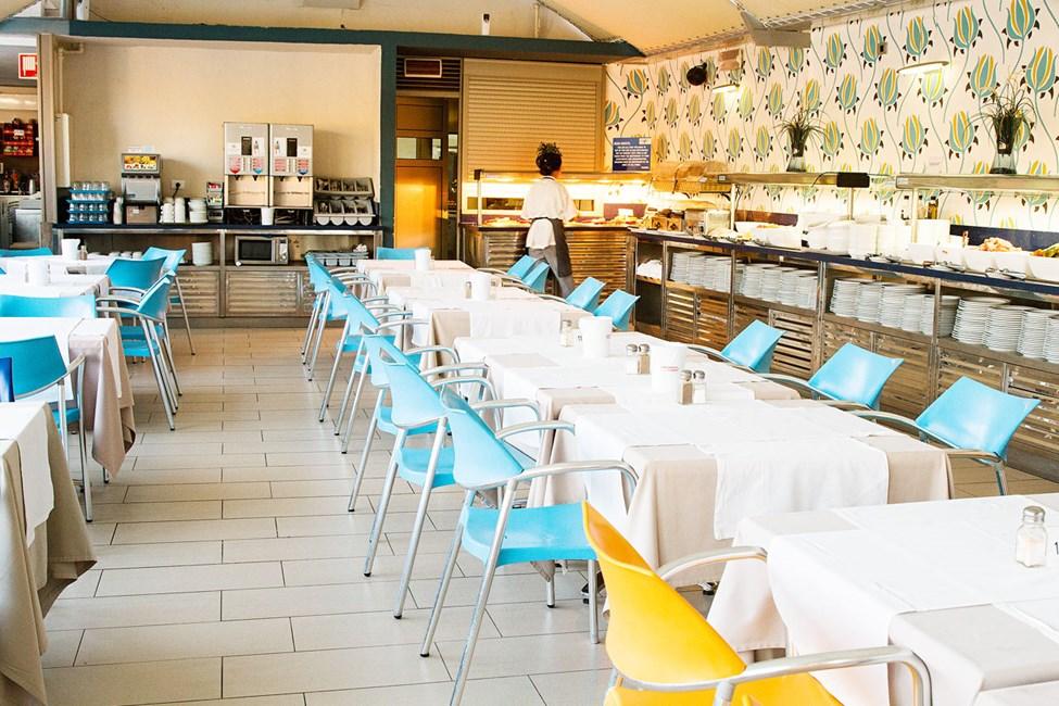Frokost, halvpensjon og All Inclusive serveres på nabohotellet Eden