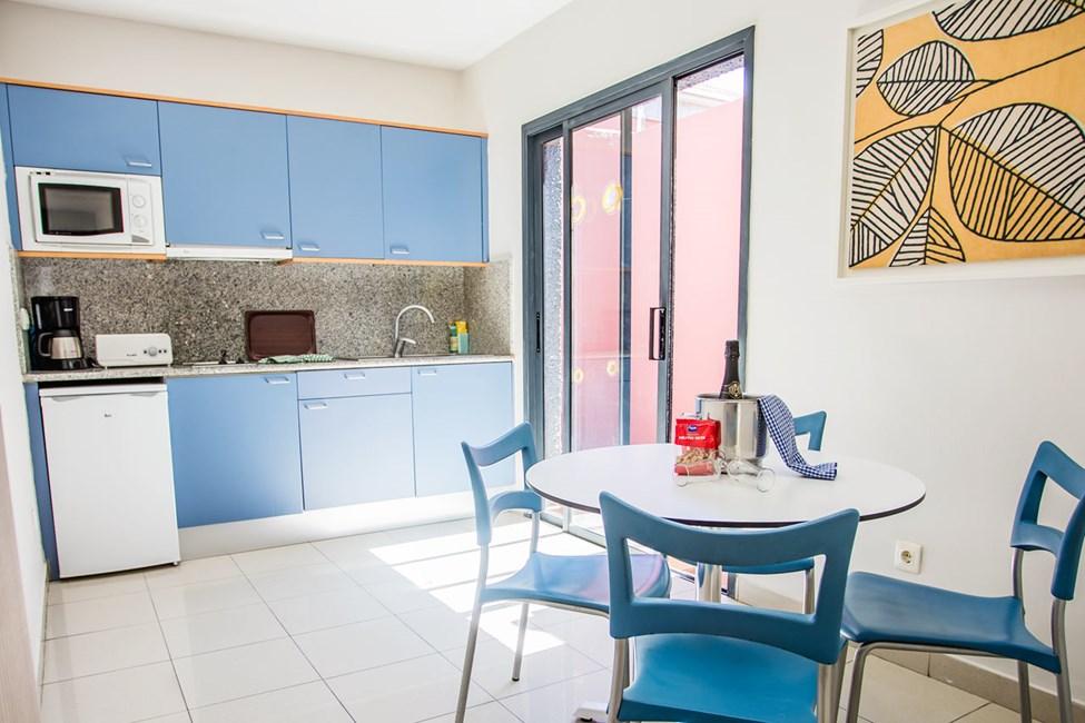 Kjøkkenkrok med spiseplass i leilighetene