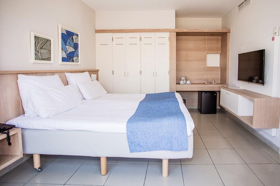 Soverommet i dobbeltrom med balkong og 3-romsleilighet i to etasjer, med 4 ordinære senger