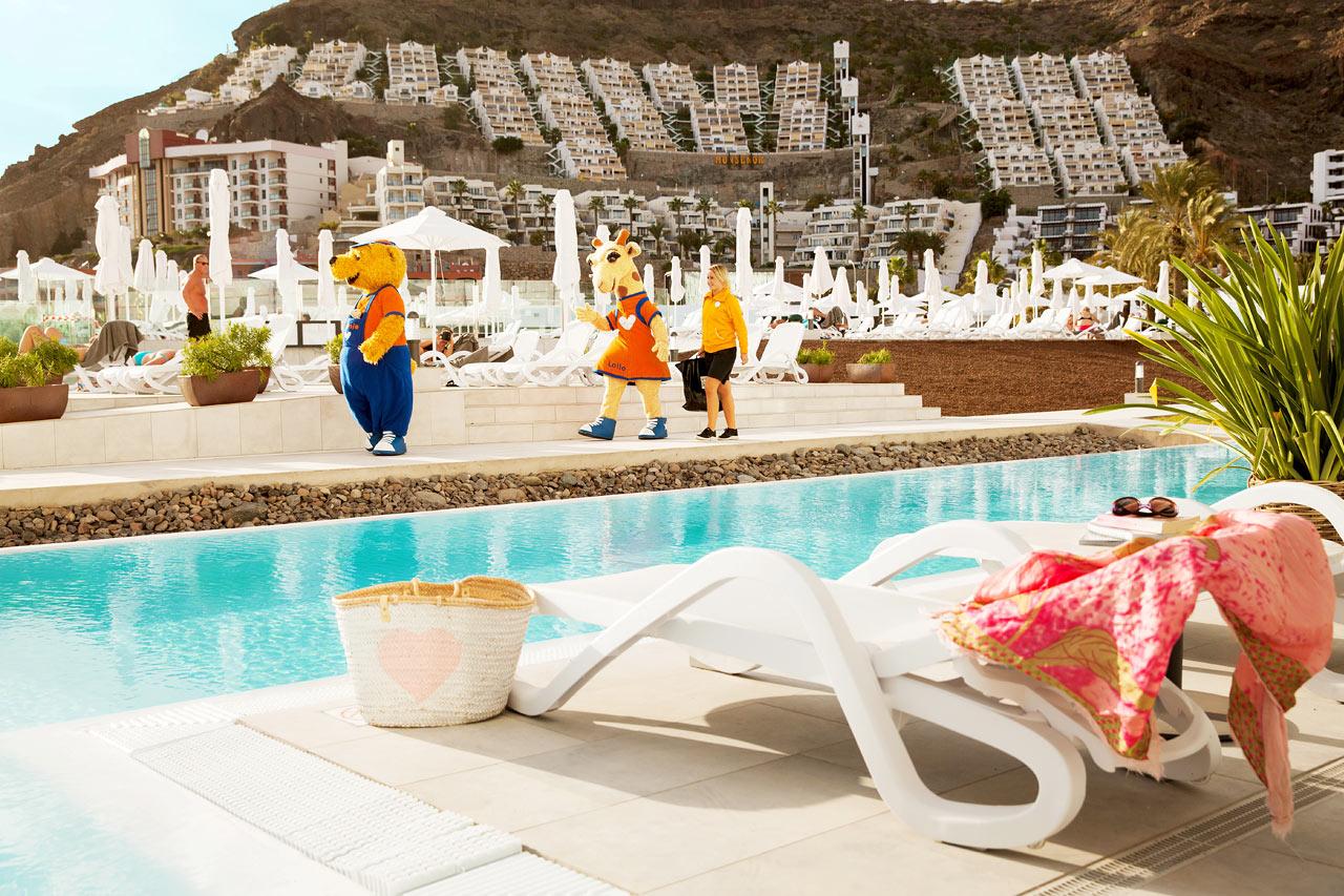 Større 2-roms Club Suite, inngjerdet terrasse med direkte utgang til privat, delt basseng