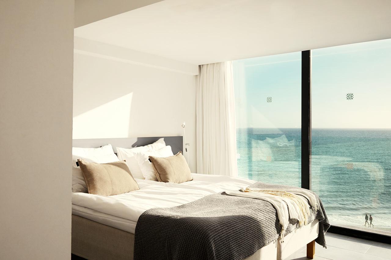 3-roms Generous Suite med stor tak- og loungeterrasse med havutsikt