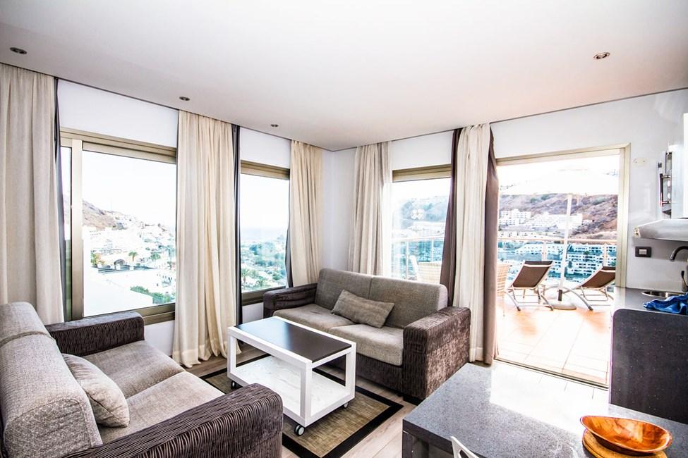 1-romsleilighet suite, stor balkong, i 7. etasje