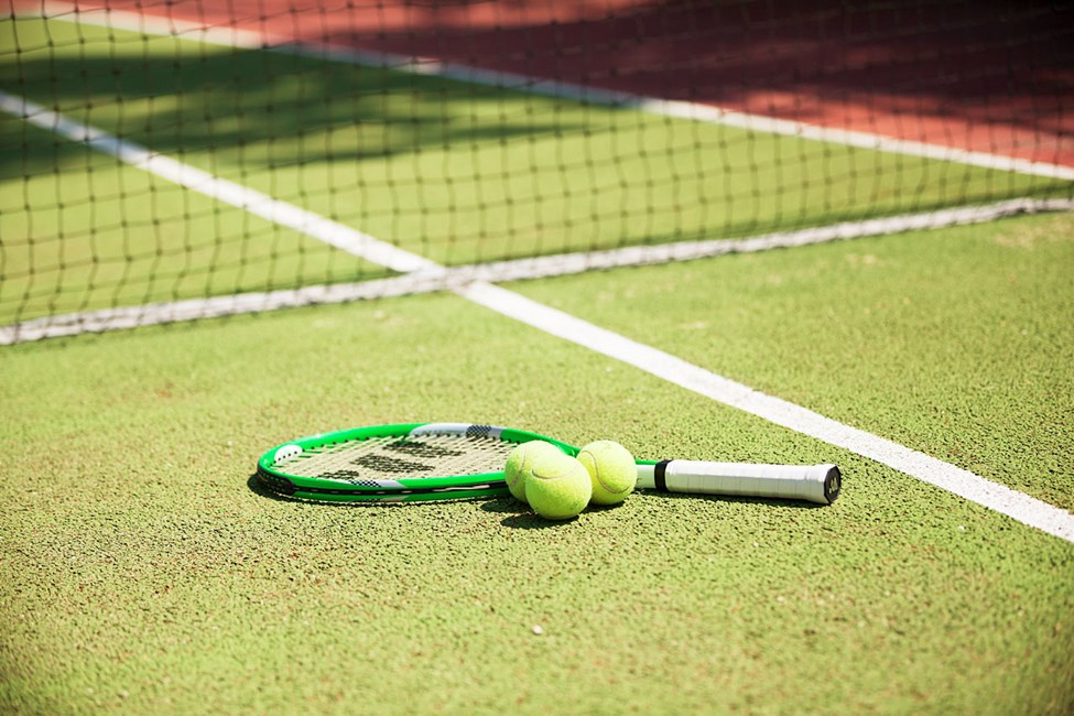 Inviter gamle og nye venner til en tennismatch!