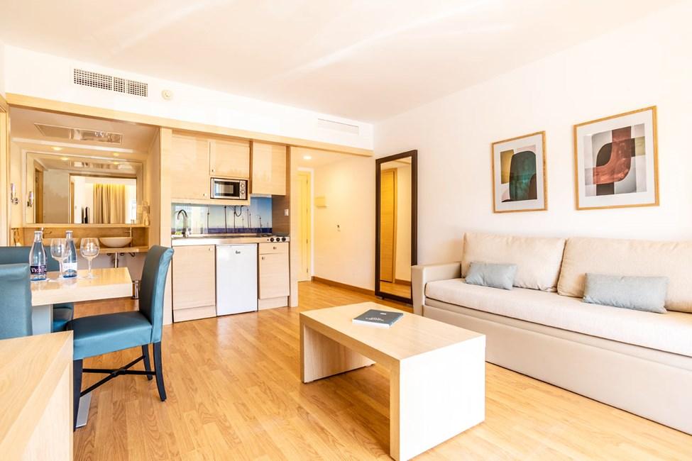 2-romsleilighet med balkong, 2-romsleilighet med balkong mot hagen og 2-romsleilighet med privat basseng