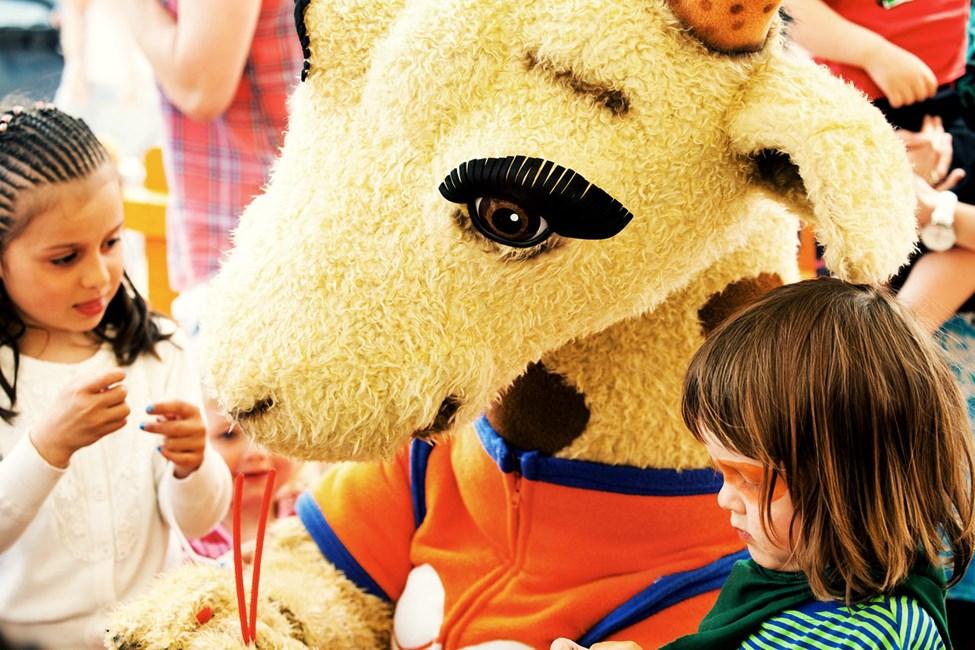 Våre populære maskoter Lollo & Bernie er alle barnas favorittkompiser i ferien