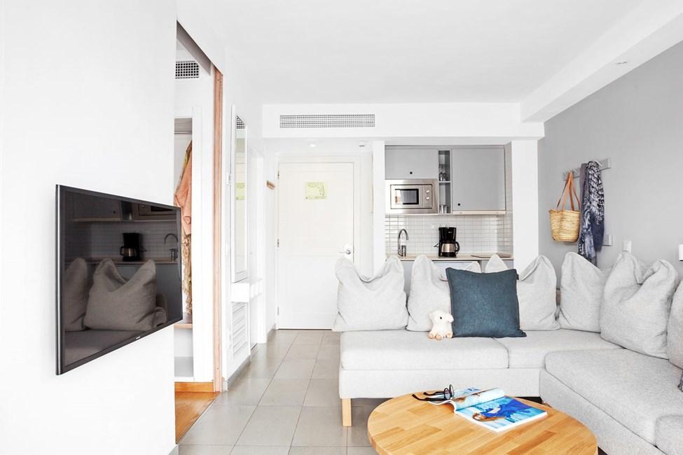 2-romsleilighet Royal Lounge Suite, stor terrasse mot bassengområdet, Mimosa