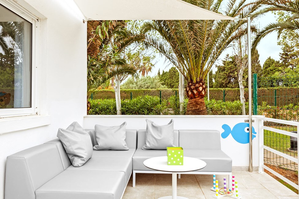 2-romsleilighet  Lollo & Bernie Suite, terrasse mot omgivelsene og gaten, Jasmin