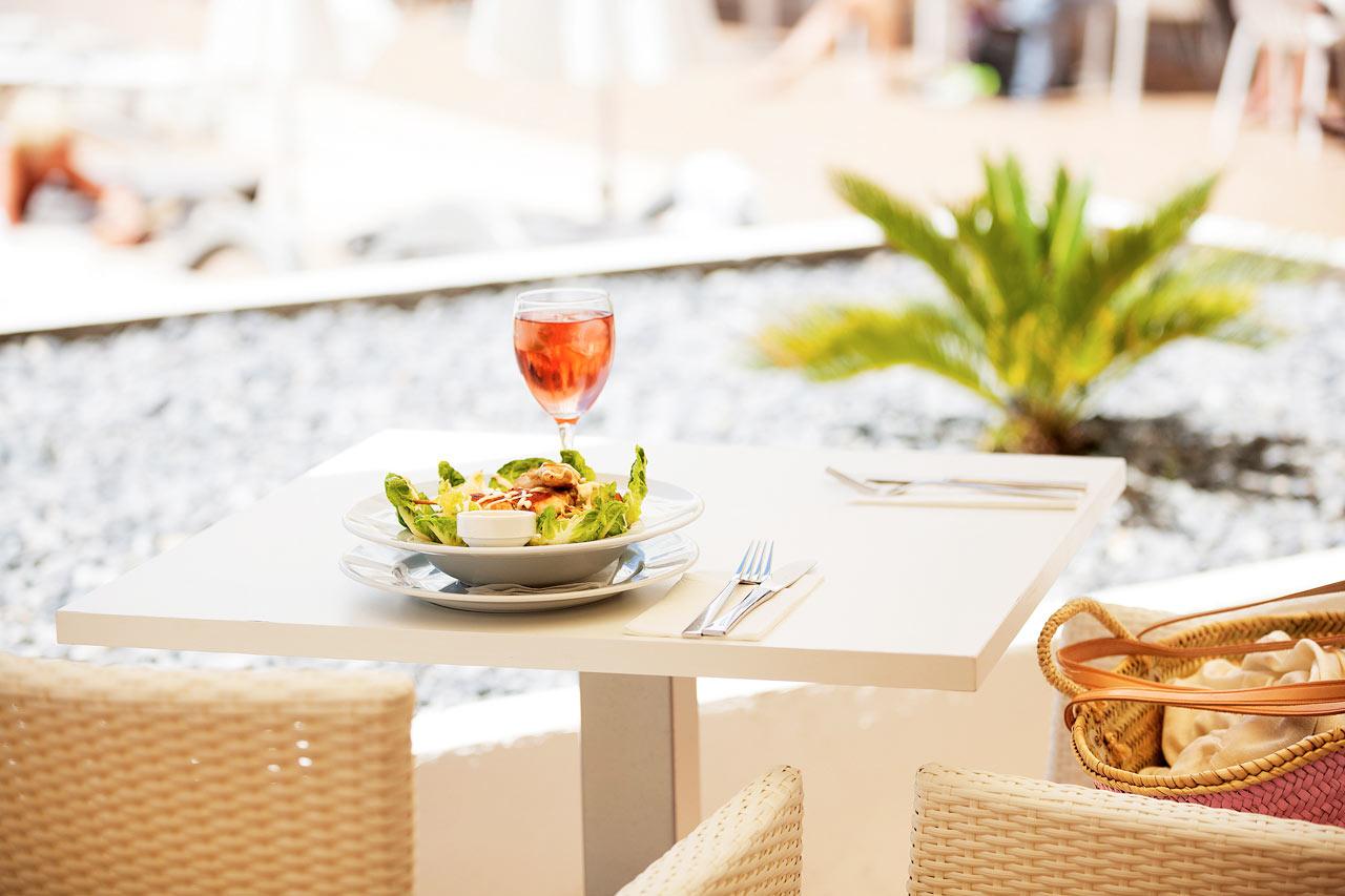 Sunprime Restaurant kan friste med god mat og drikke.