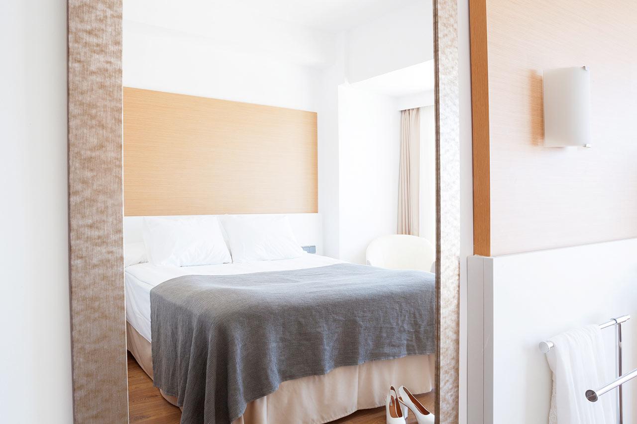 Classic Room, liten balkong med begrenset havutsikt