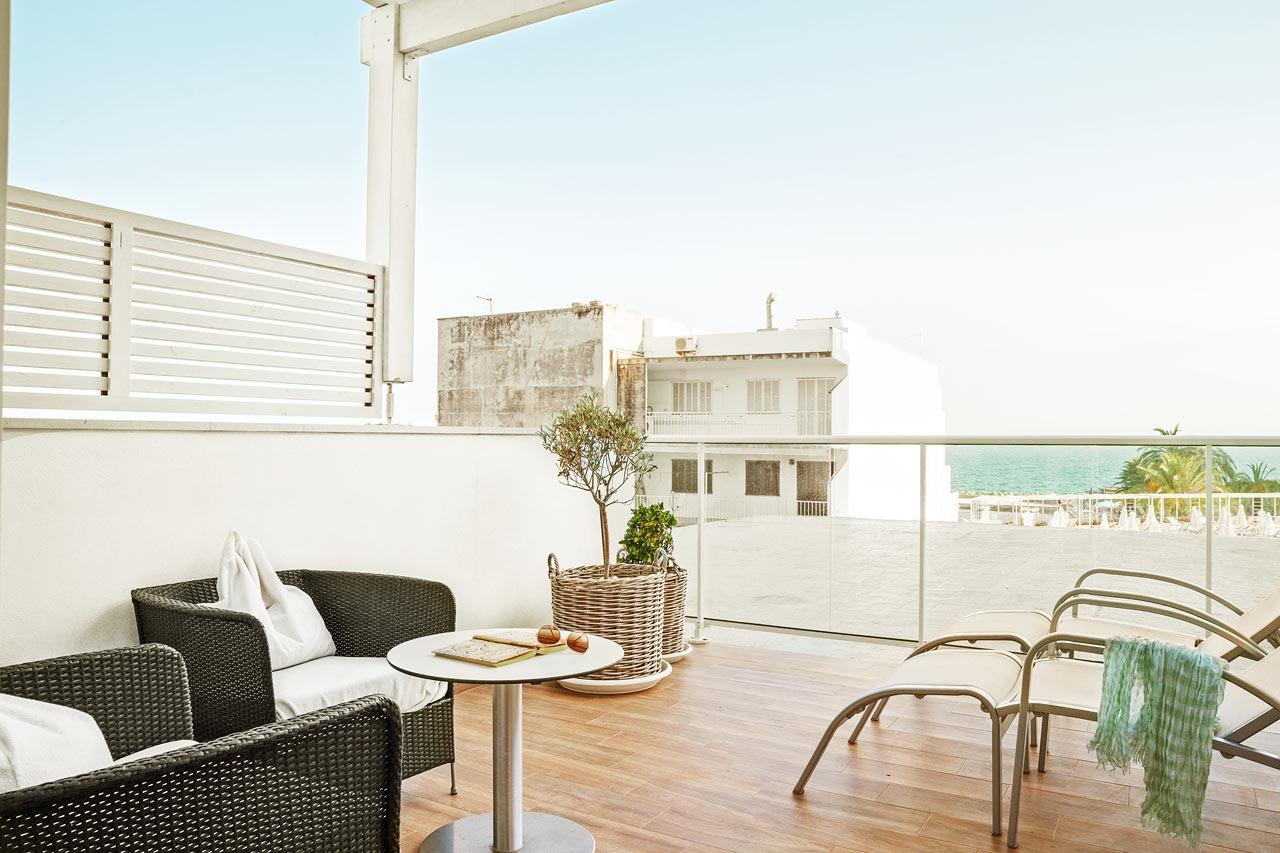 Prime Lounge Suite med stor terrasse og begrenset havutsikt
