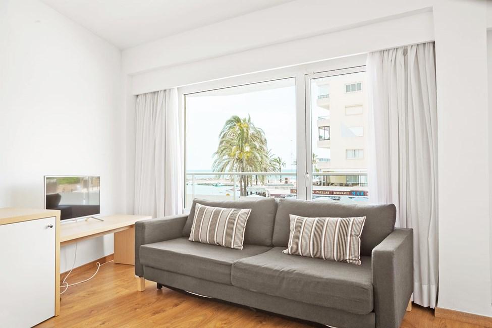 Junior Suite med balkong mot gaten/omgivelsene