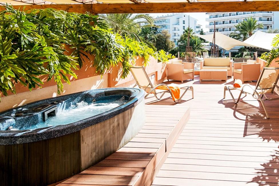1- og 3-romsleilighet med stor terrasse og boblebad