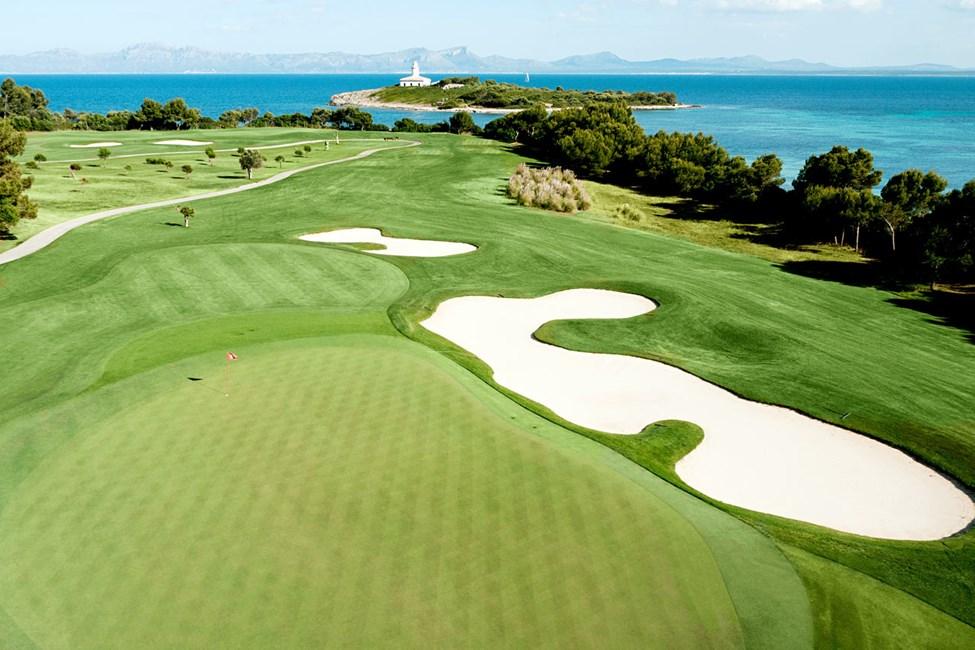 Golfbanen Alcanada, cirka 4,5 km fra hotellet