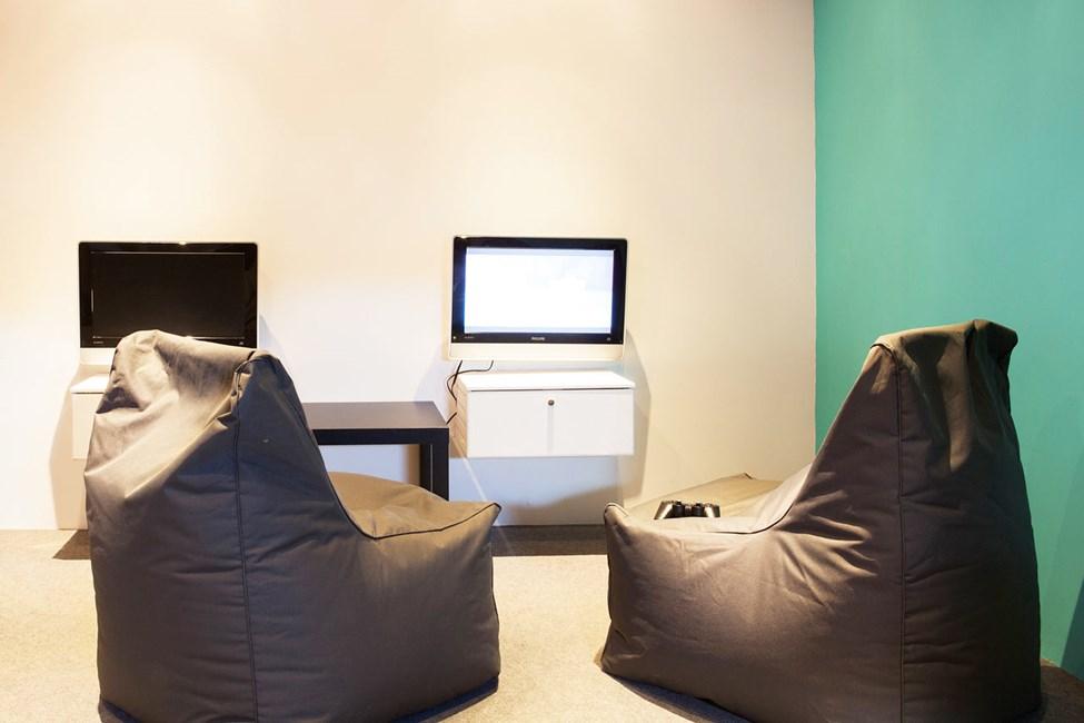 I Helios Teen Lounge kan ungdommer slappe av litt mellom bading og aktiviteter