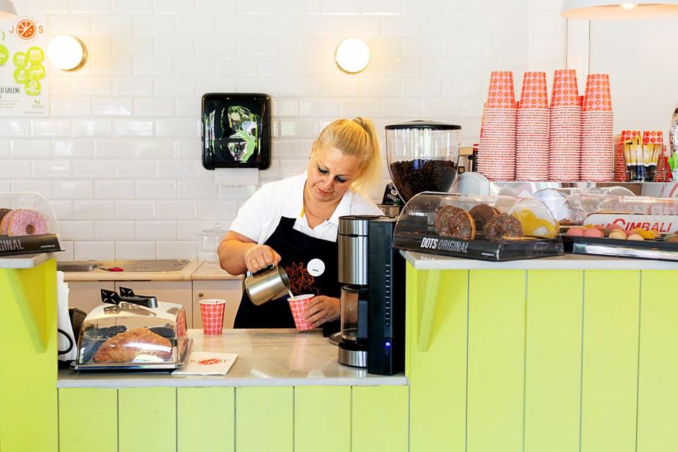 Nyt sunne smoothies og juicer i J.O.S bar