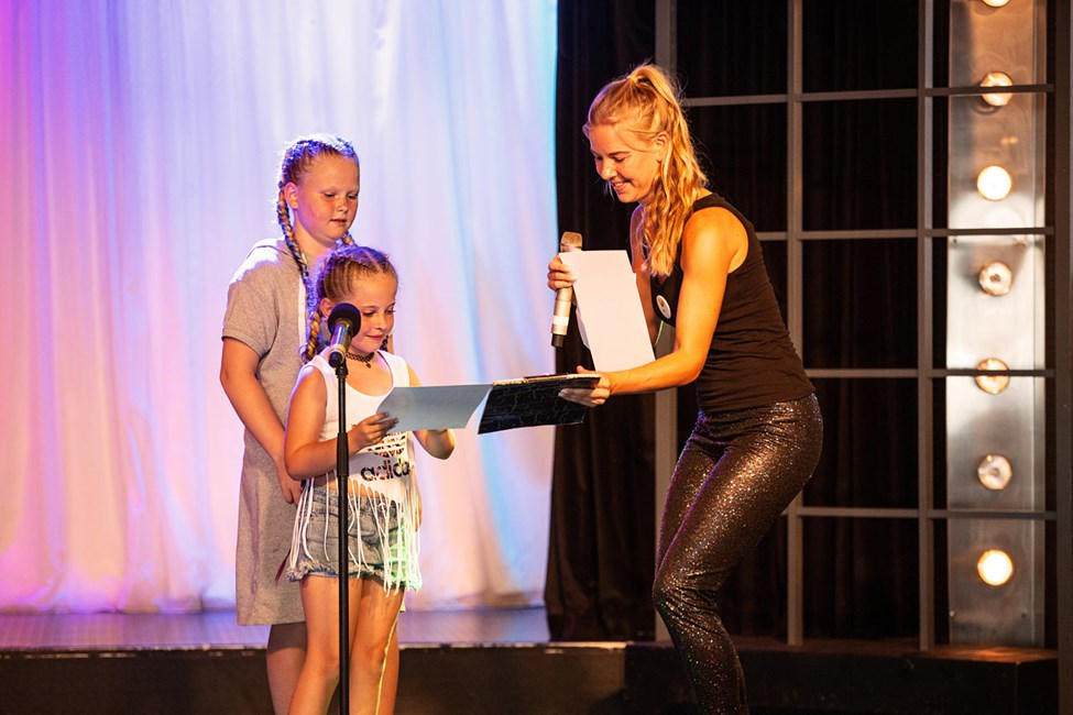 På Sunwings scene kan små stjerner få opptre i Teen Idol
