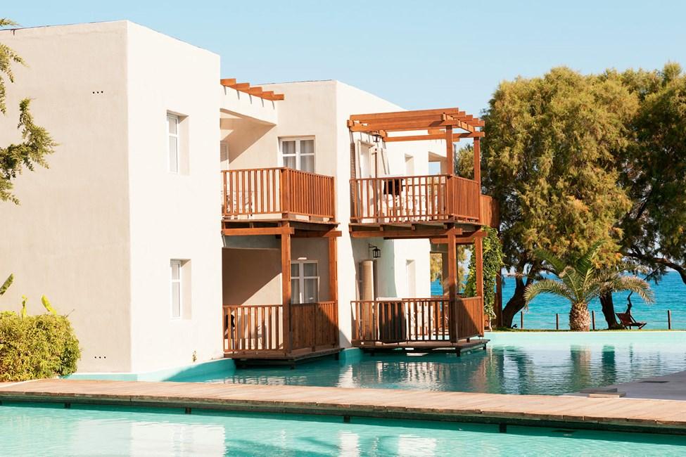 Hotellet tilbyr suiter mot den kunstige lagunen