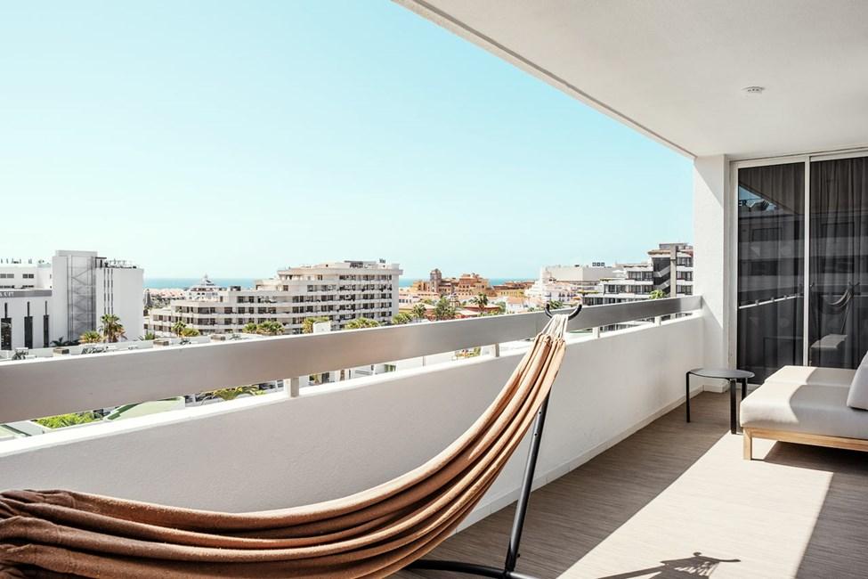Prime Lounge Suite 2 rom med balkong mot omgivelsene
