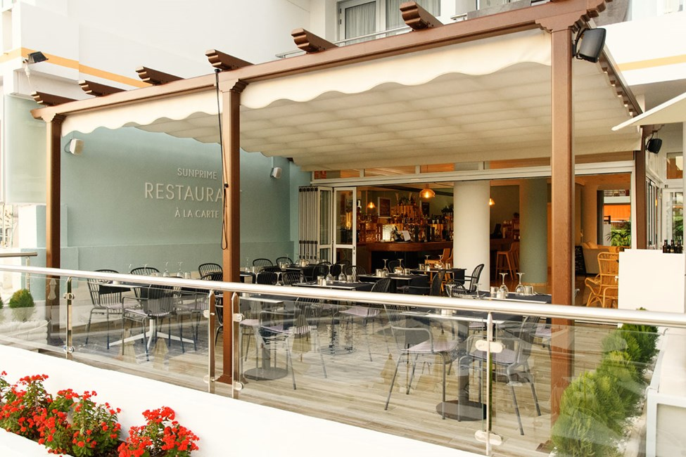 På à la carte-restauranten kan du velge om du vil ha tapas eller grillmat